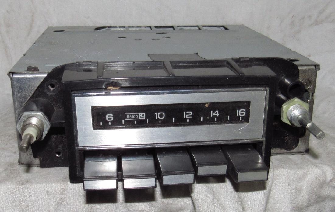 Delco 73APB1 Car Radio
