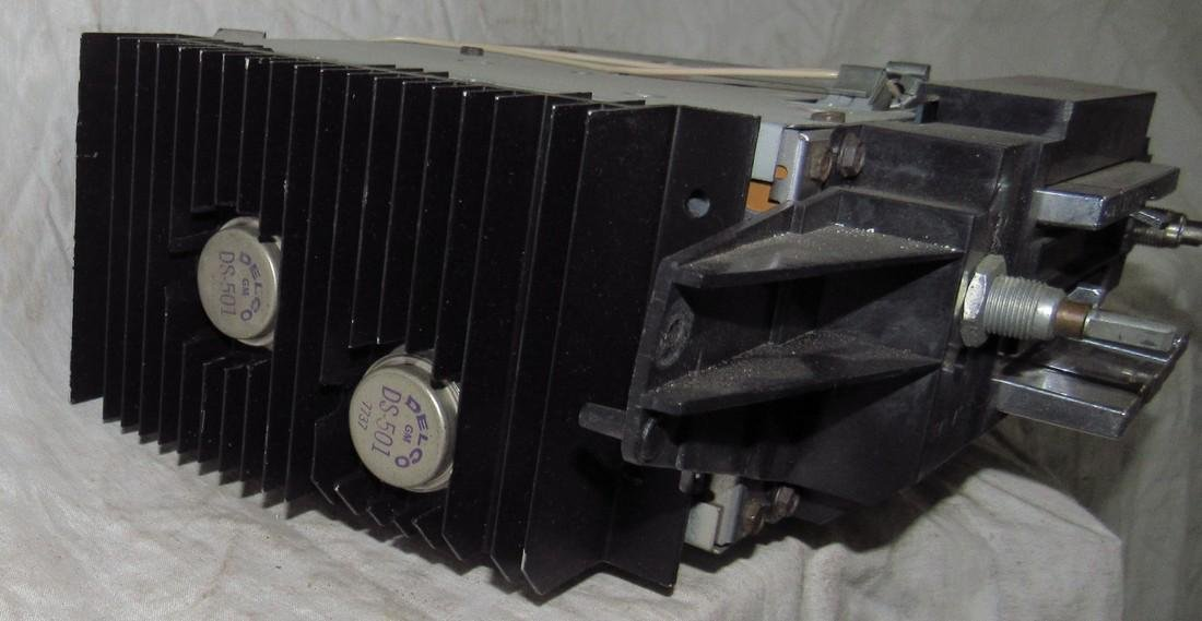 Delco General Motors Car Radio - 2