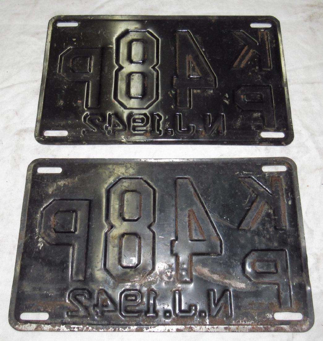 Pair of 1942 License Plates - 2