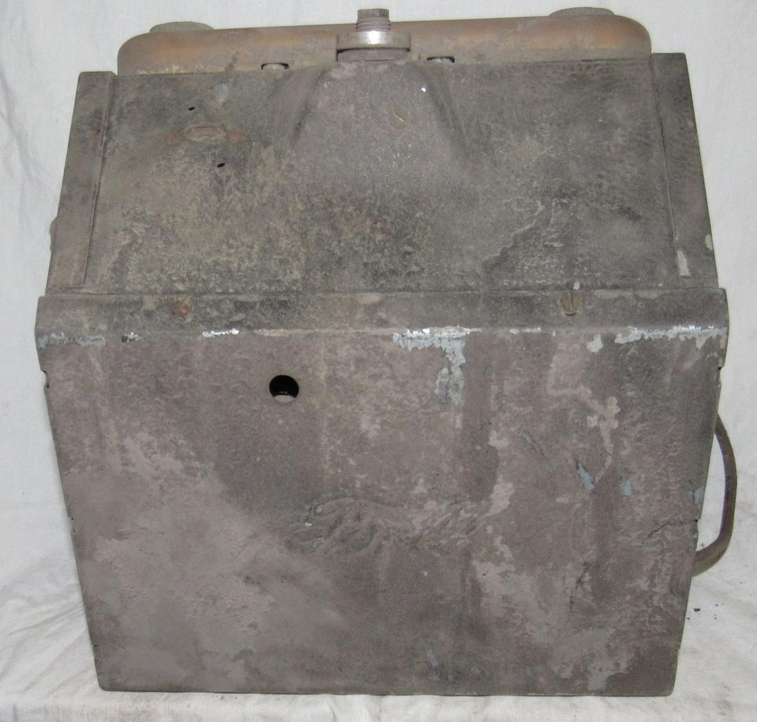 Antique Ford Car Radio - 3