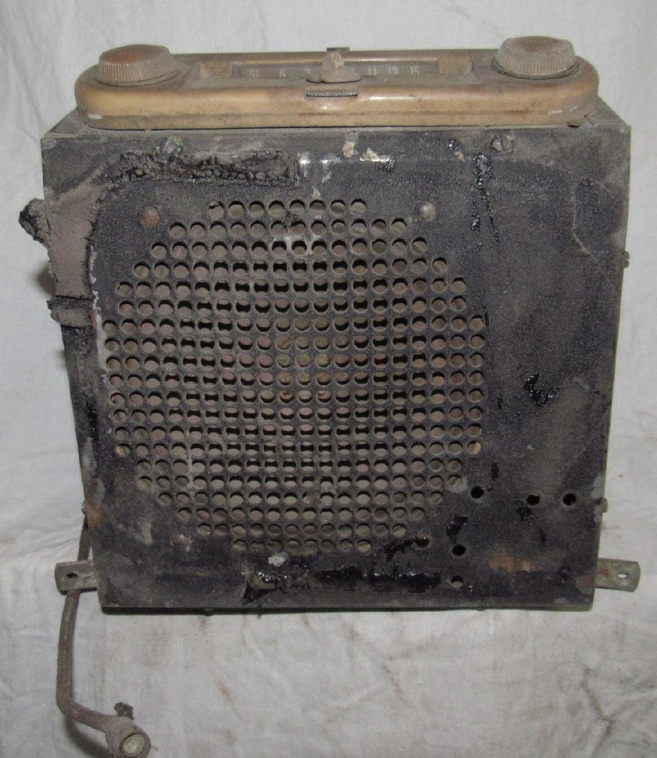 Antique Ford Car Radio - 6