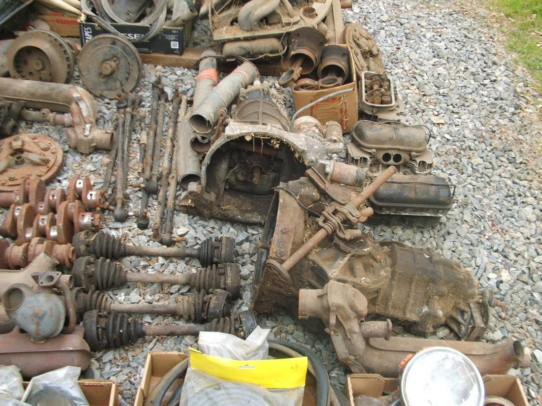 1971 Volkswagen & Tons of Parts - 10