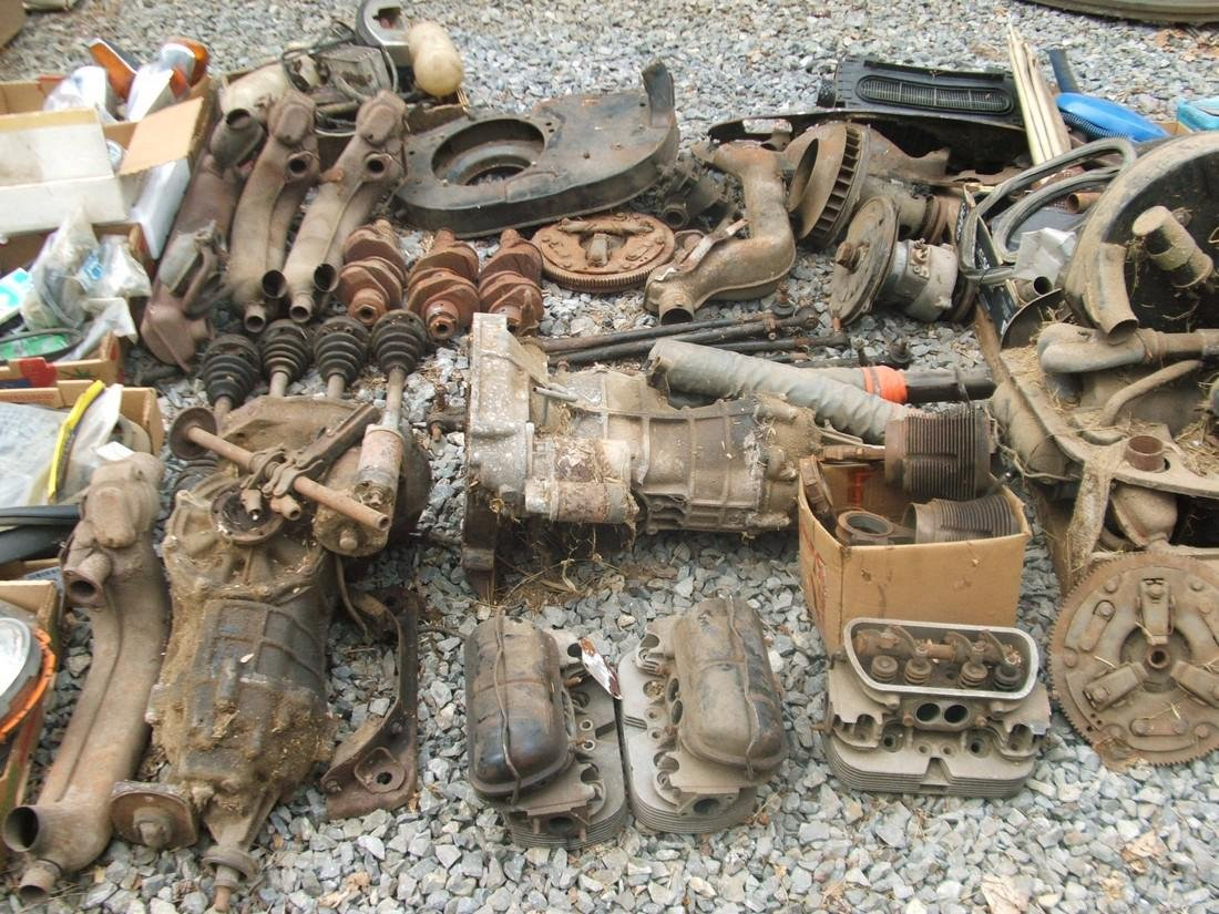 1971 Volkswagen & Tons of Parts - 8