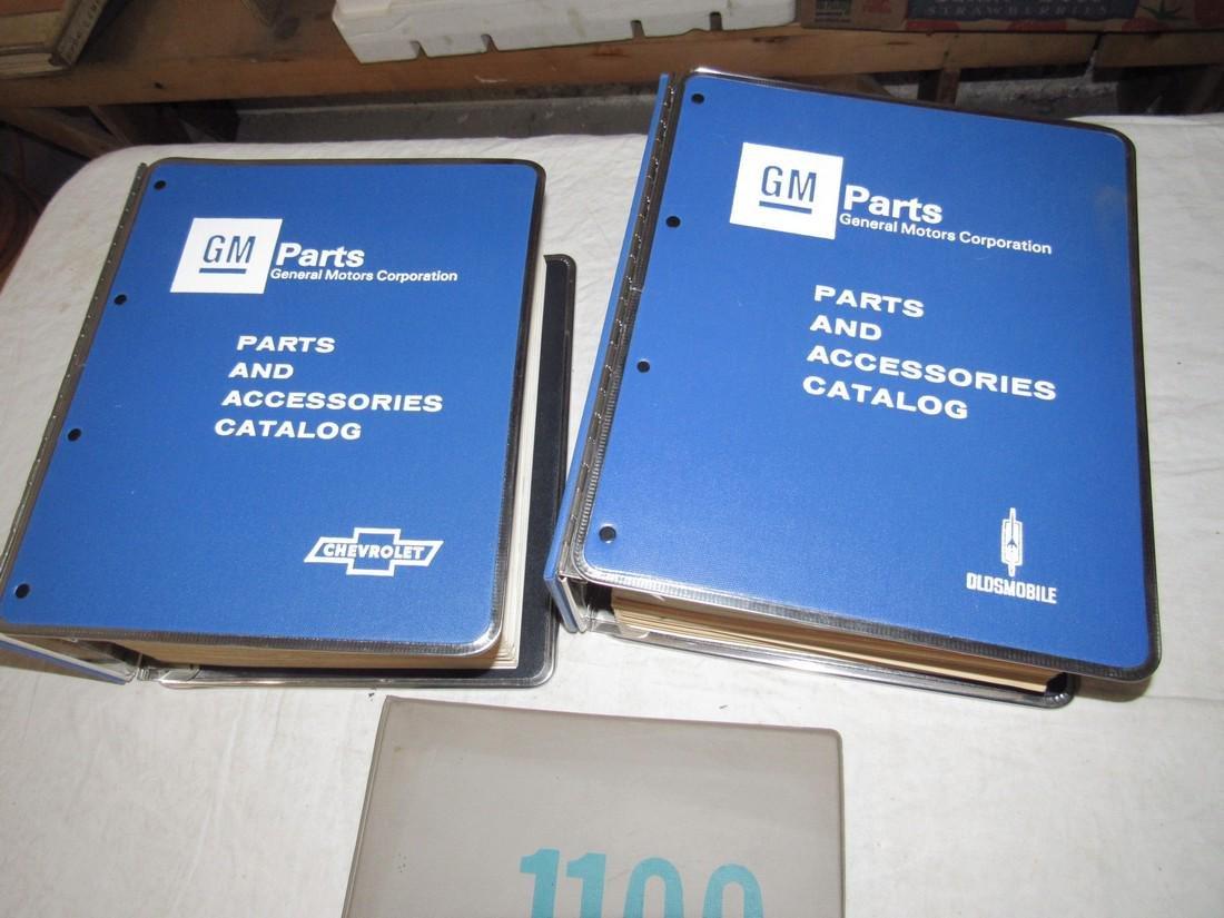 1965 Chevrolet 1976-78 Dealers Catalogs 1100 Manual - 2