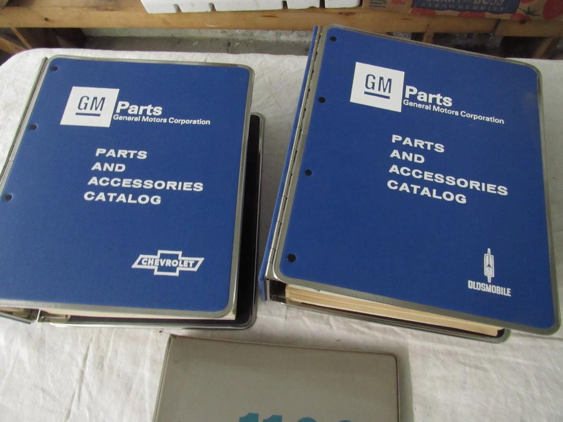 1965 Chevrolet 1976-78 Dealers Catalogs 1100 Manual - 3