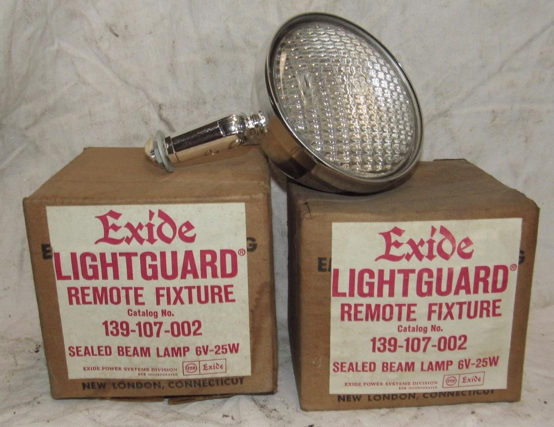 2 Exide Lightguard Sealed Beam Lamps 139-107-002