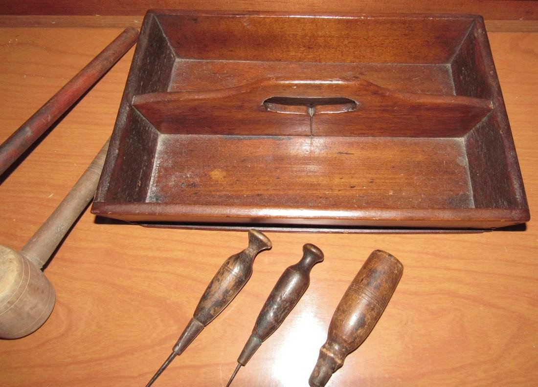Knife Tray Wooden Mallets & Aws - 3