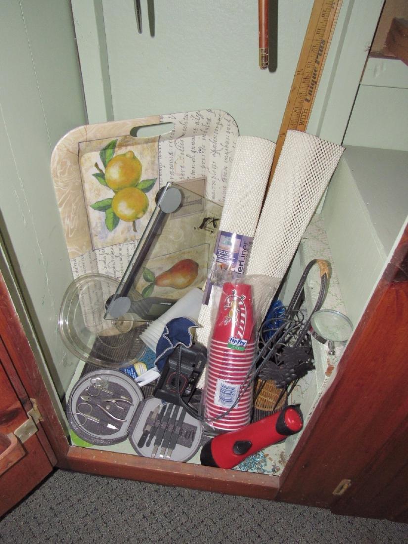 Contents of Closet - 4