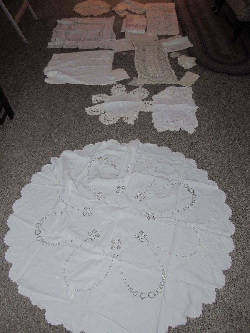 Doilies Table Clothes Runners Napkins Placemats