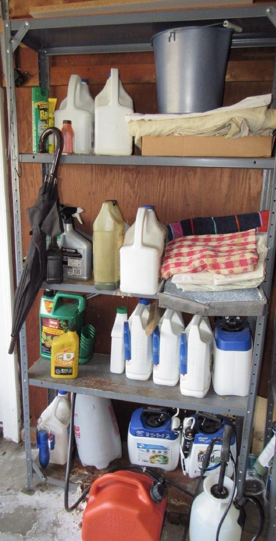 Round Up Weed Killer Spray Cans Shelf Lot