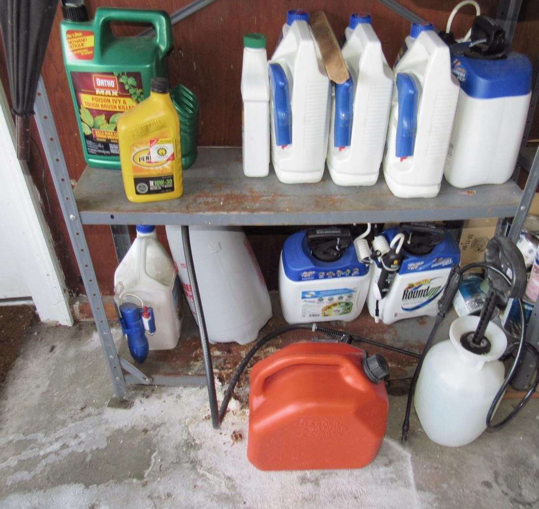 Round Up Weed Killer Spray Cans Shelf Lot - 3