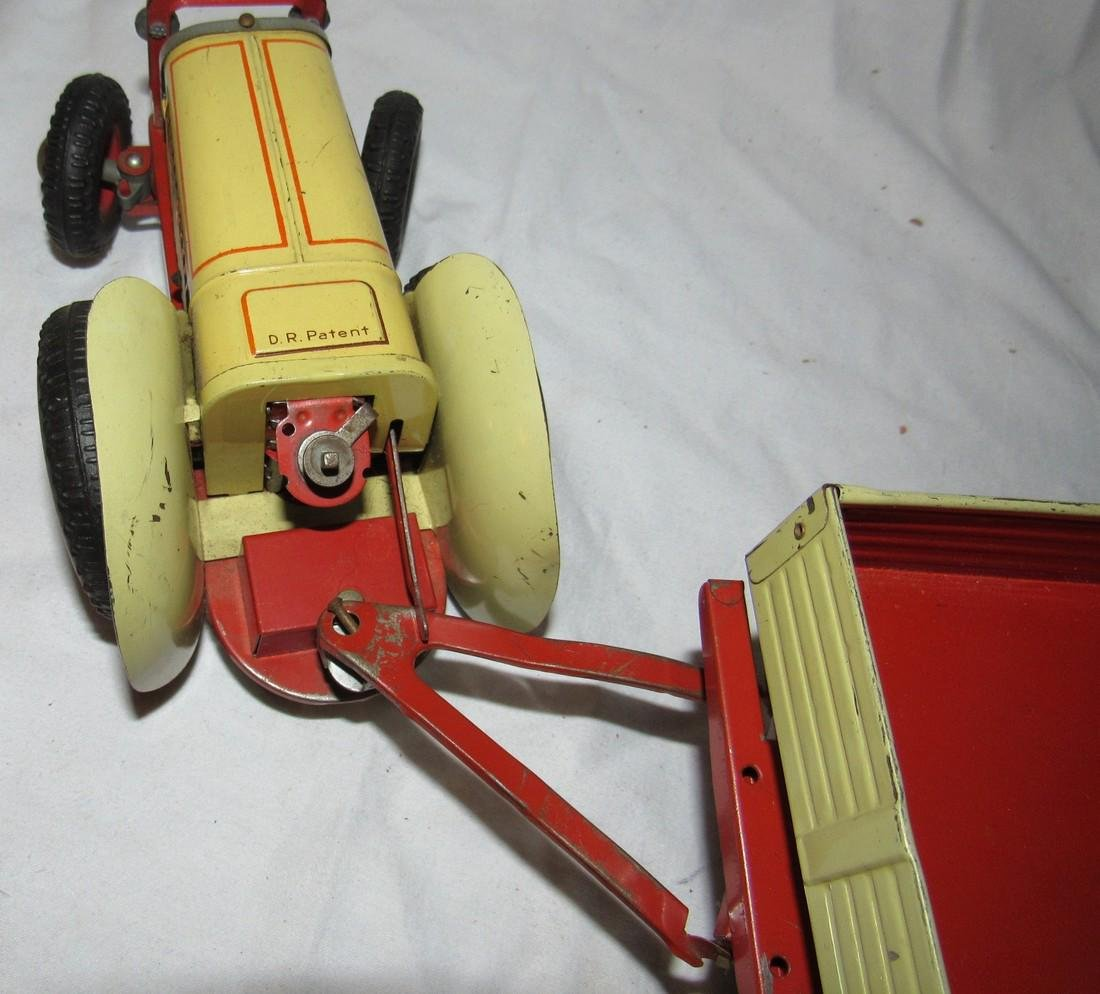 Wind Up Gescha Toy Tractor & Wagon - 4