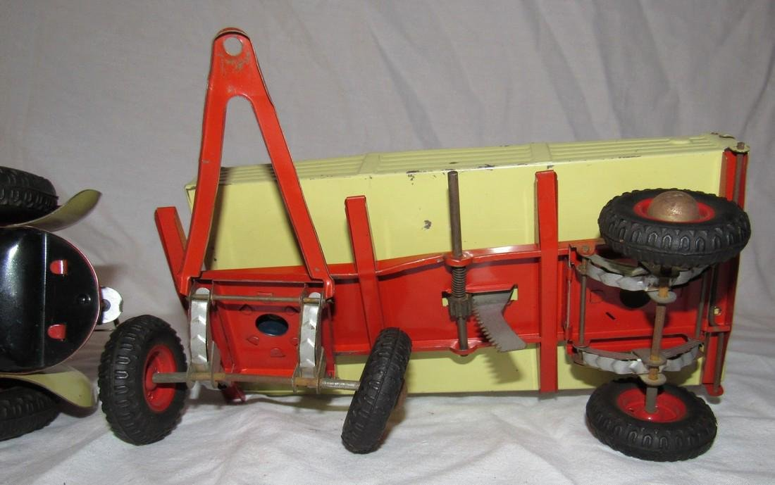 Wind Up Gescha Toy Tractor & Wagon - 6