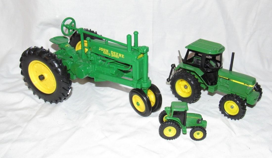 Ertl John Deere Farm Tractor Toy 3140