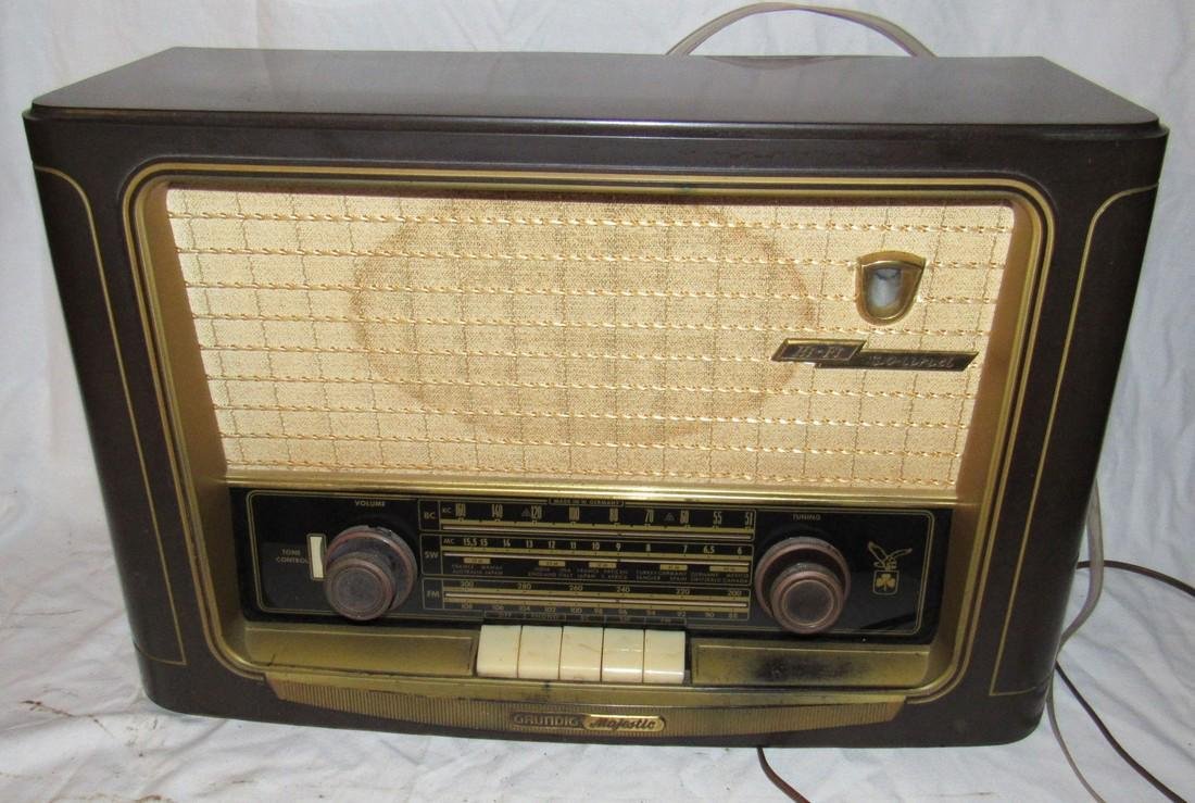 Grundig Majestic model 1055 Radio