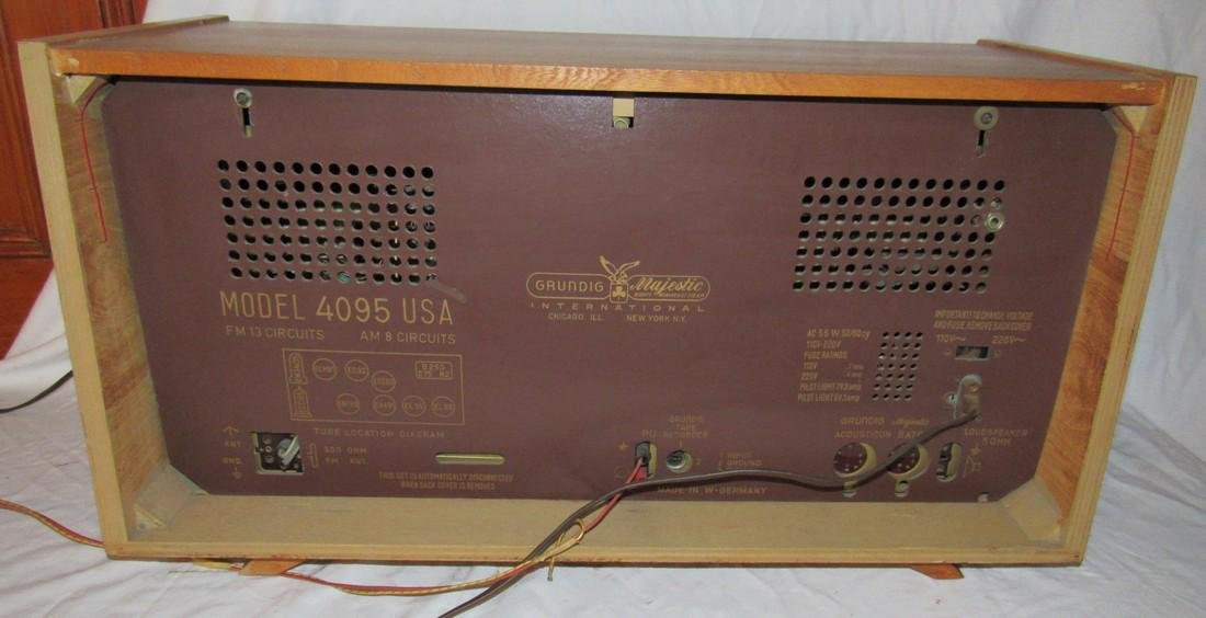 Grundig Majestic 4095 Radio - 5