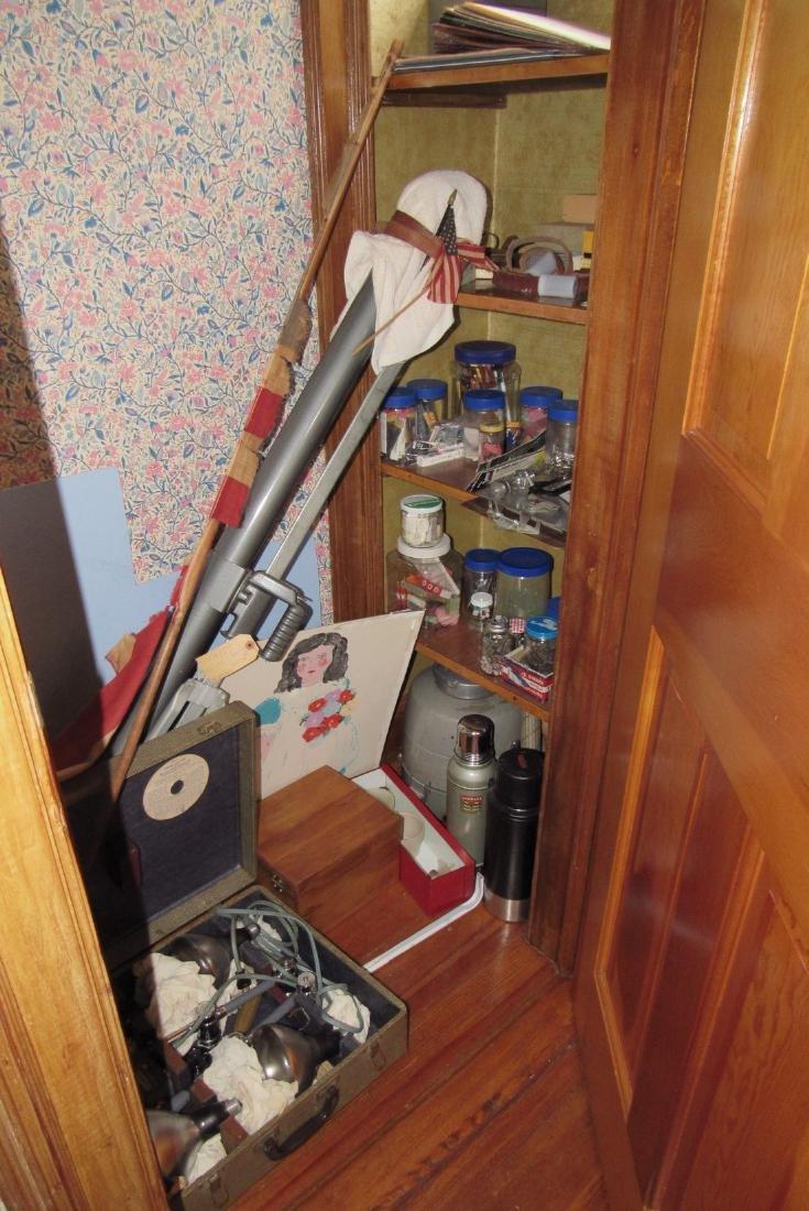 Partial Room Contents - 8