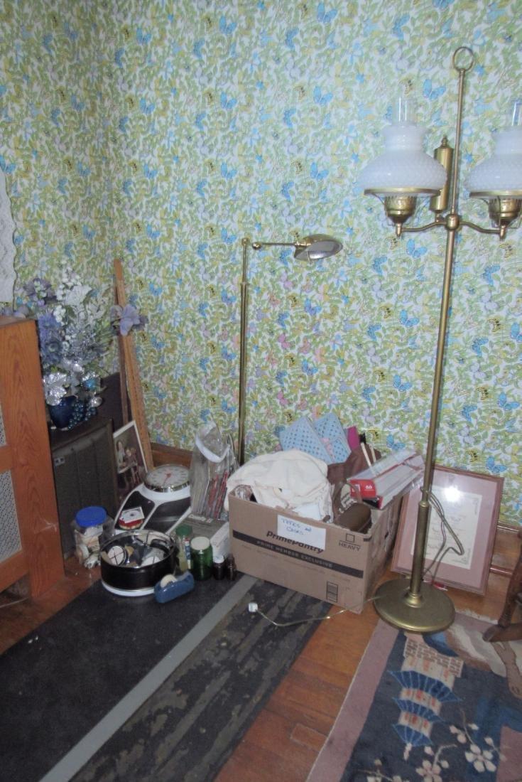 Partial Bedroom Contents Floor Lamps Yardsticks - 2