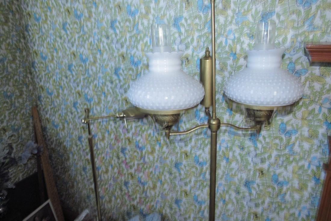 Partial Bedroom Contents Floor Lamps Yardsticks - 3