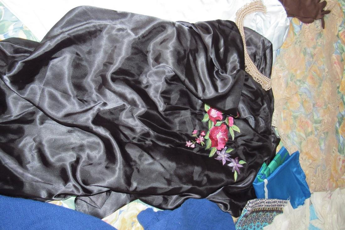 Doilies Linens Lingerie Gloves Handkerchiefs - 4