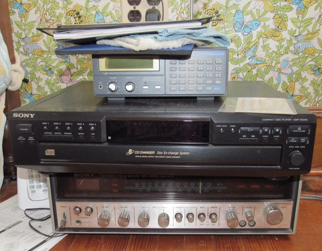 Vintage Sony Stereo Receiver CD Changer & Police