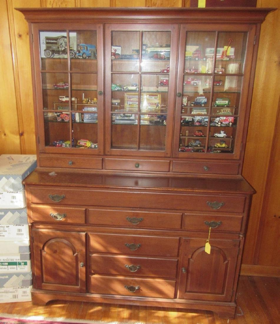 Lewisburg Furniture Co Pennsylvania House Hutch