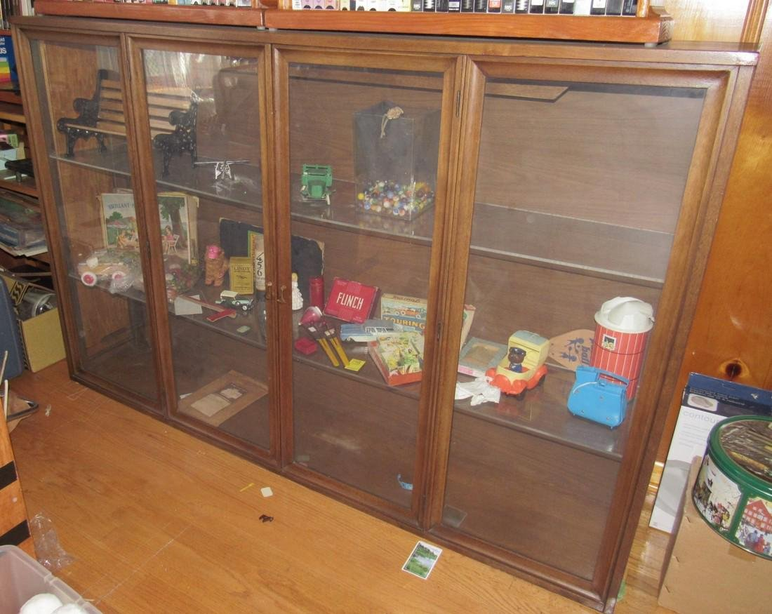 Display Cabinet DOES NOT INCLUDE CONTENTS