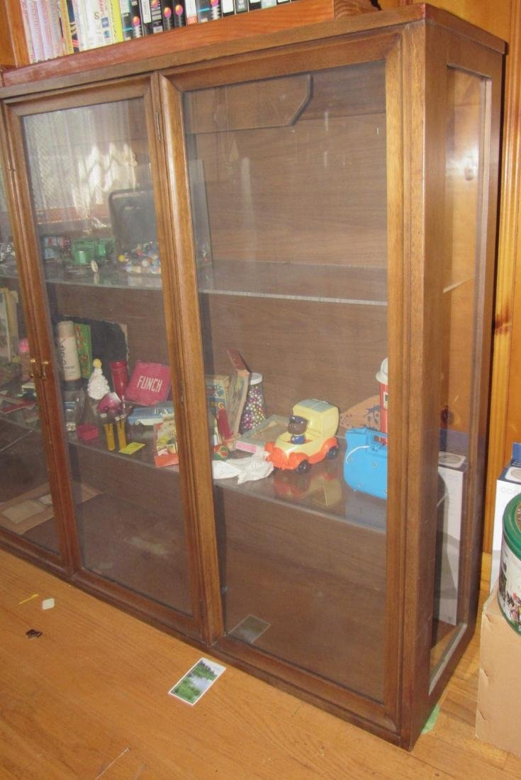 Display Cabinet DOES NOT INCLUDE CONTENTS - 2
