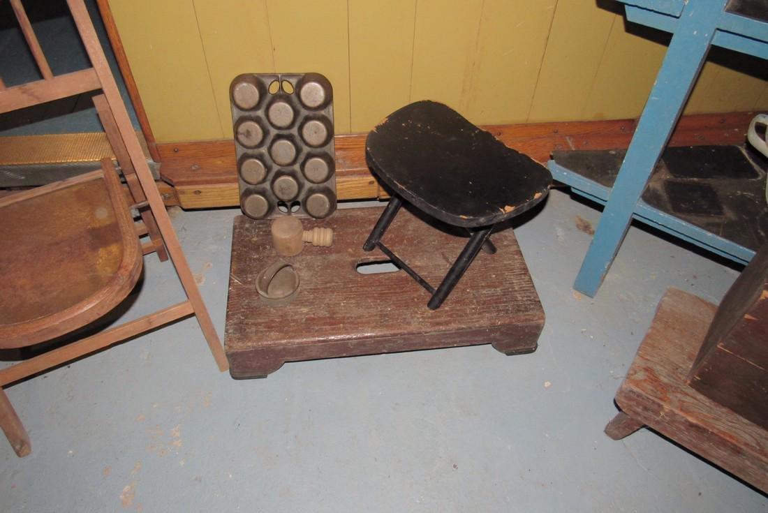 Corner Shelf Chalkboard Pennants Muffin Pan Bench - 4