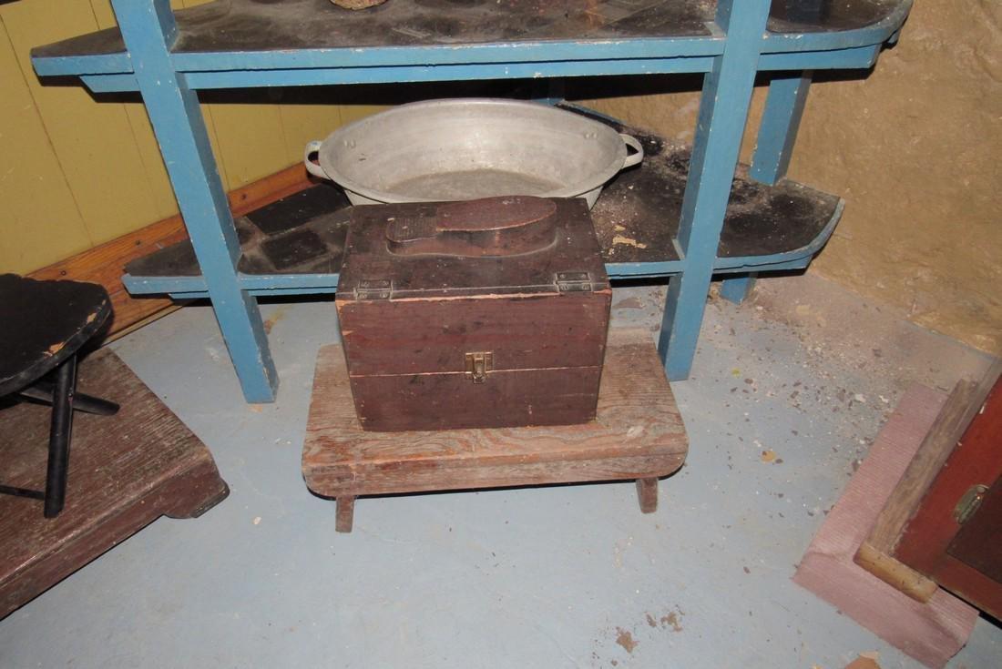 Corner Shelf Chalkboard Pennants Muffin Pan Bench - 5