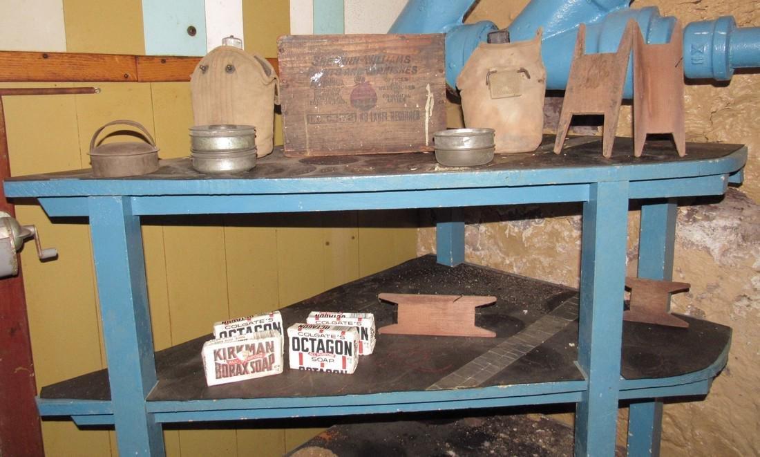 Corner Shelf Chalkboard Pennants Muffin Pan Bench - 6