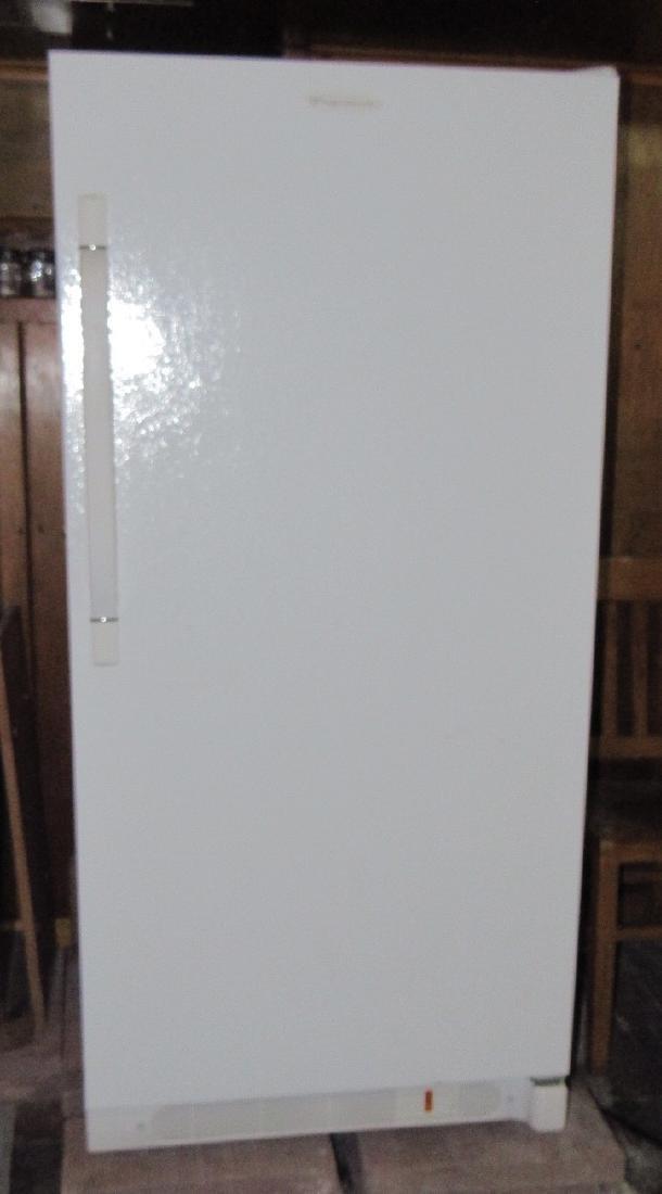 2008 Frigidaire Upright Freezer Works !