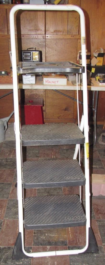 Cosco 3' Step Ladder - 2