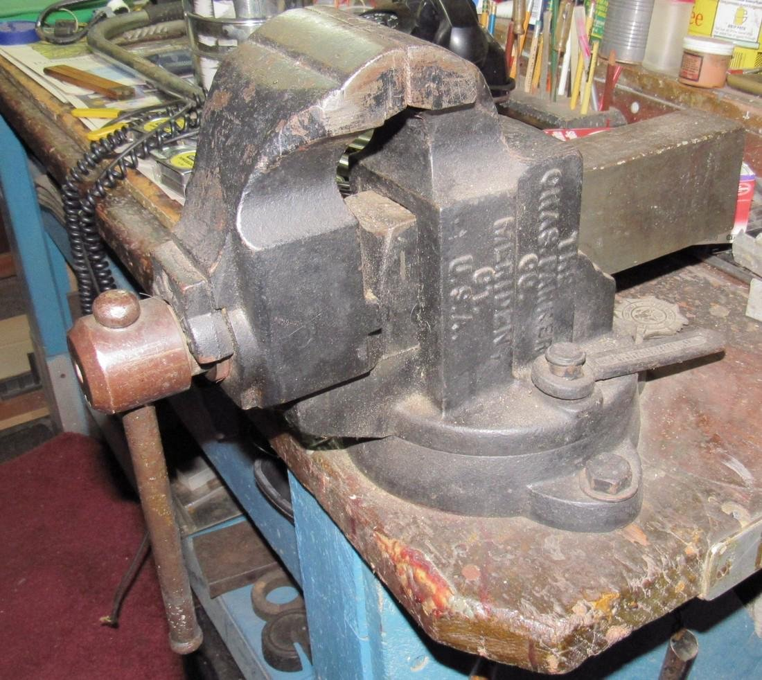 """Chas Parker 1930 No. 974 Swivel Bench Vise w/ 4"""" Jaws - 3"""