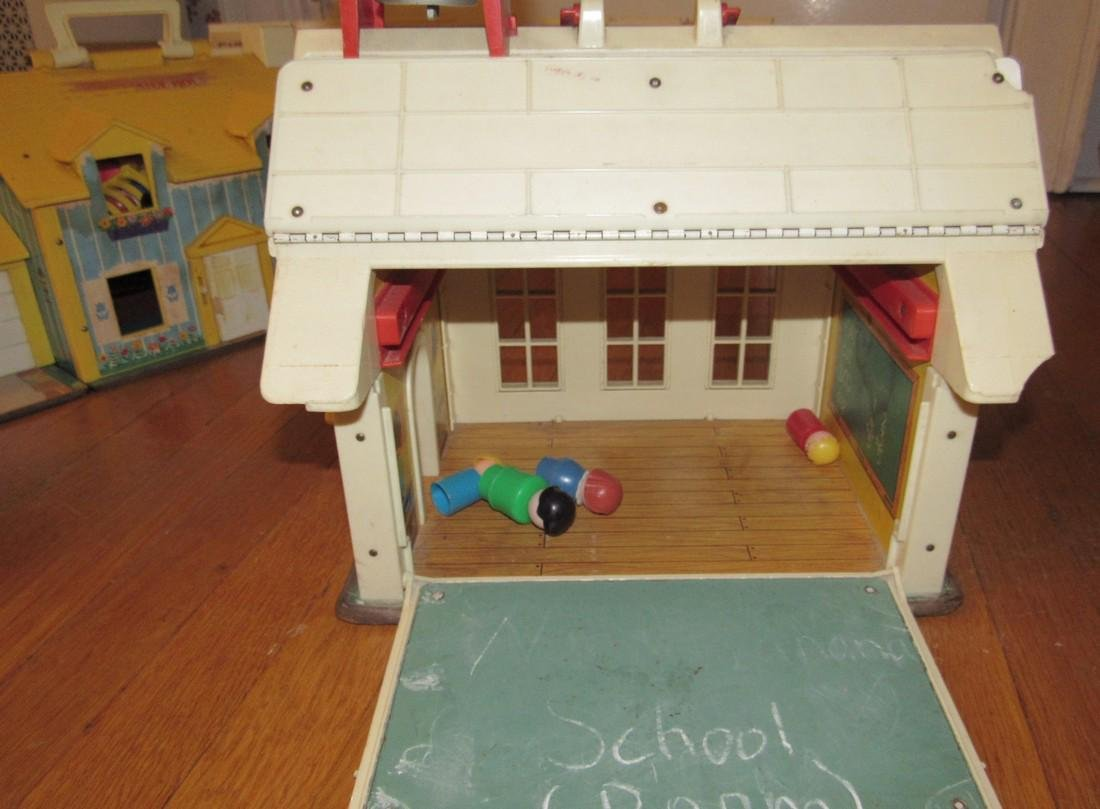 Fisher Price Family Play Farms School House & - 6
