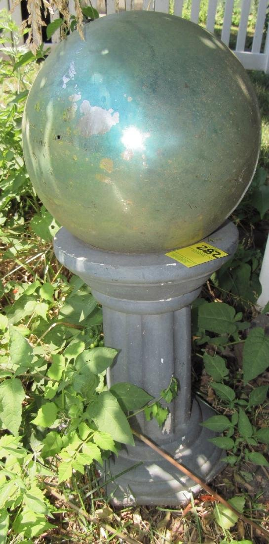 Gazing Ball w/ Plastic Base