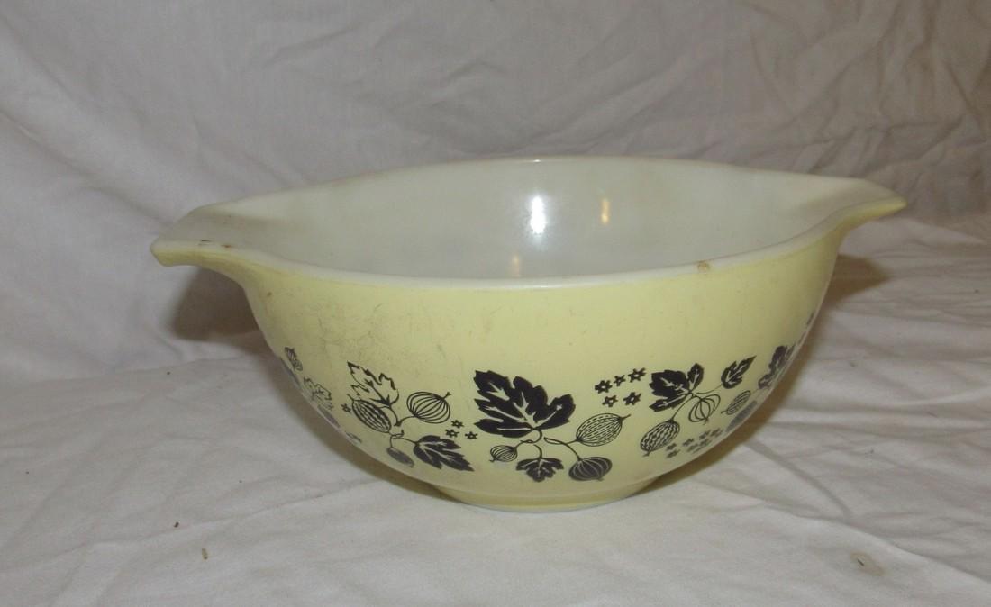 Pyrex 442 1 1/2 Quart Mixing Bowl