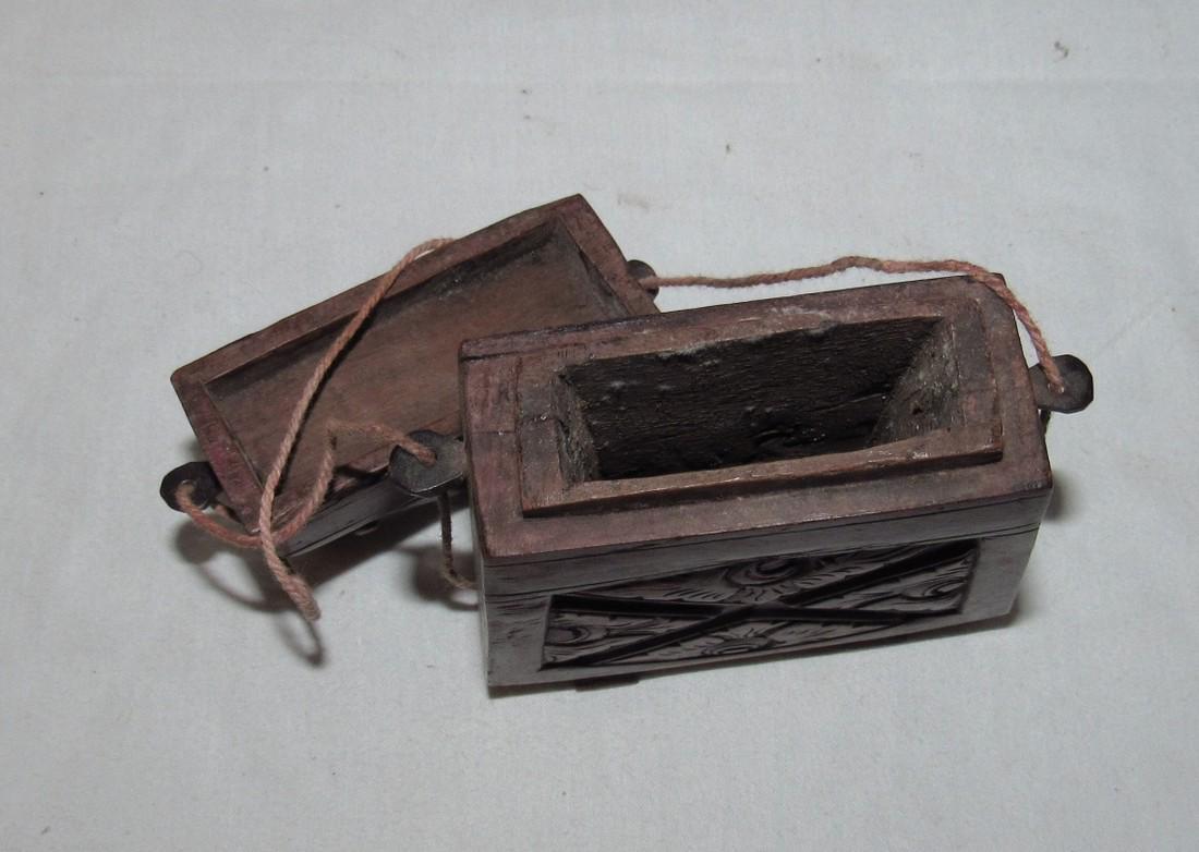 Carved Wooden Frog Cigarette Holder Box - 4