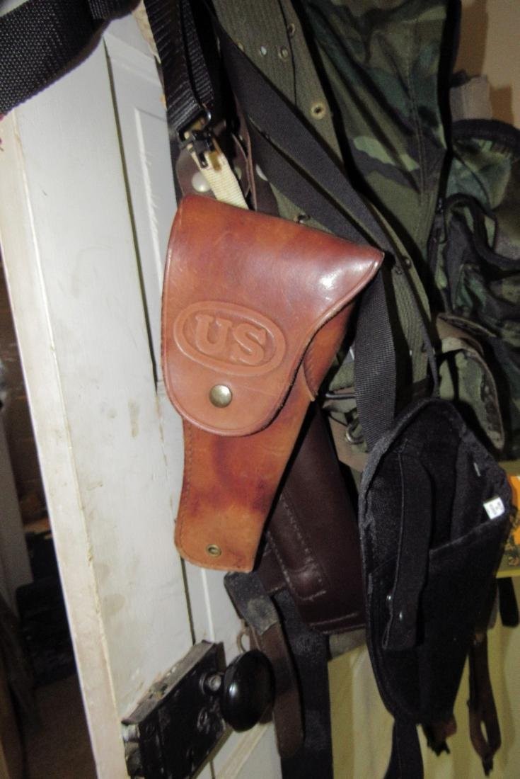 US Leather Pistol Holster Pouches Back Packs - 2