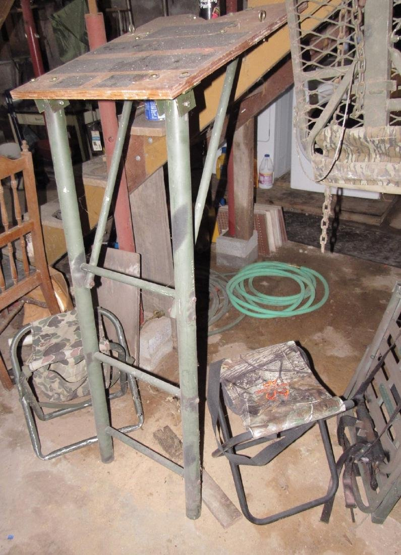 Deer Ladder Stand 2 Lock Ons , Steps, & 2 Stools