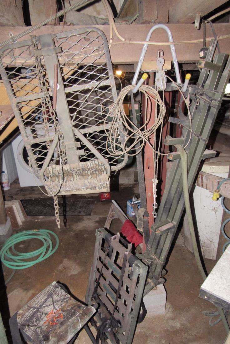 Deer Ladder Stand 2 Lock Ons , Steps, & 2 Stools - 2