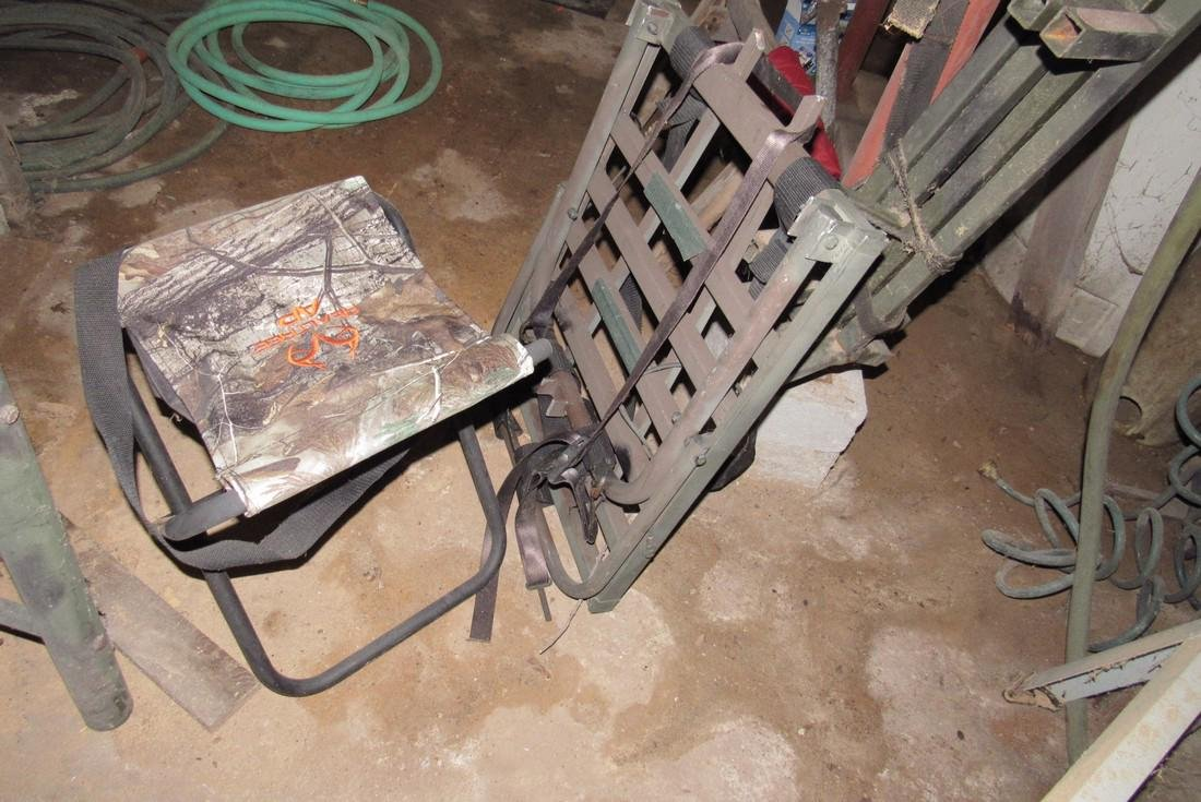 Deer Ladder Stand 2 Lock Ons , Steps, & 2 Stools - 3