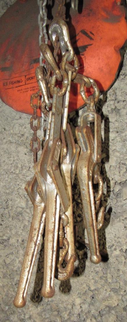 8 Chain Binders & Chain - 2