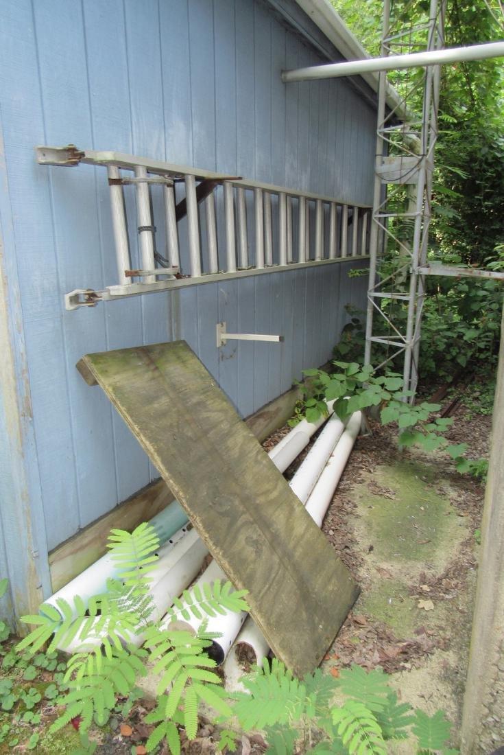 28' Aluminum Extension Ladder & PVC Pipe