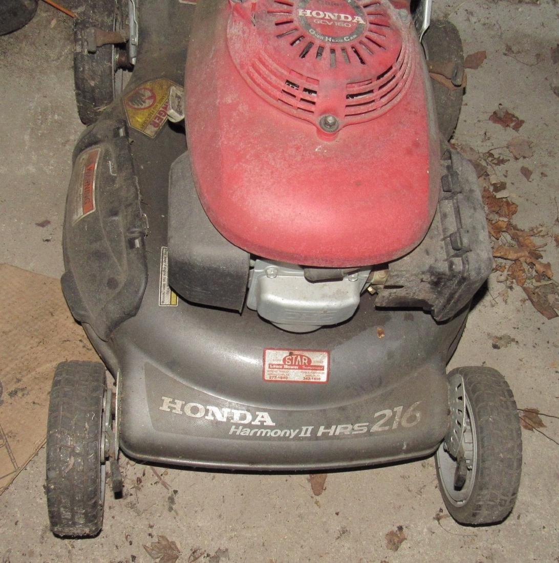 Honda Harmony II HRS 216 Push Mower - 3