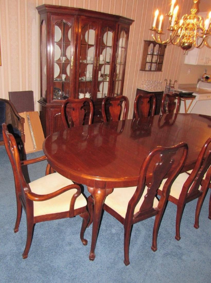 Thomasville Hutch Table & 10 Chairs - 4