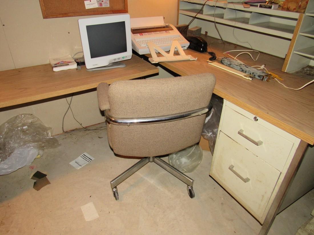 Desk & Contents - 3