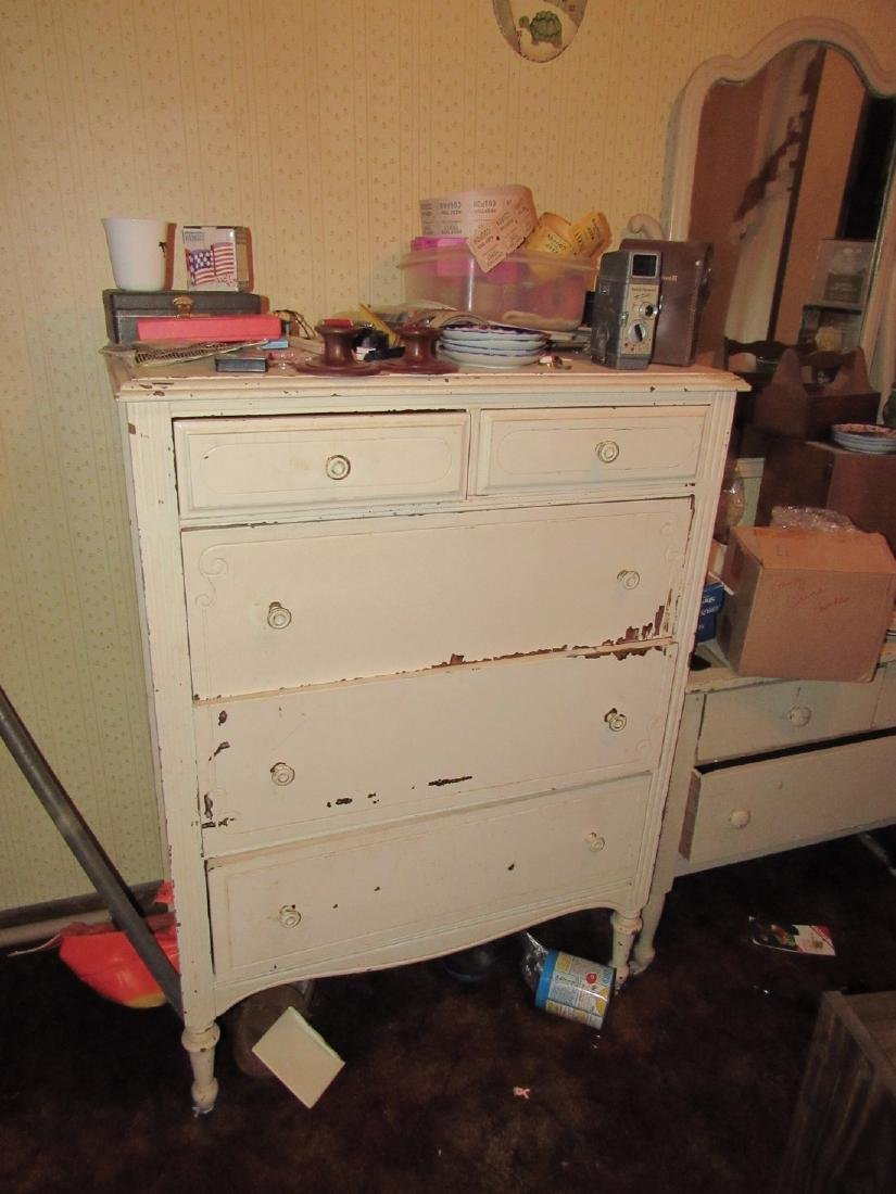 Bedroom Contents Clothing Dressers & Misc - 7
