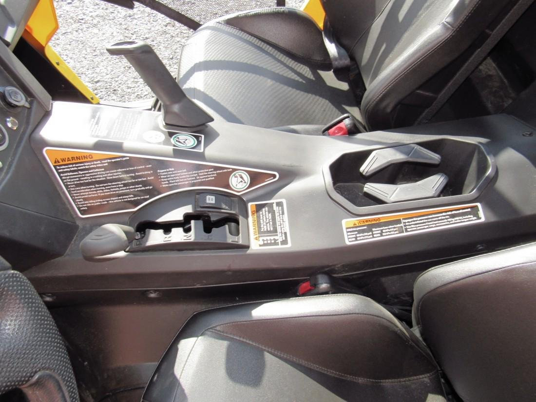 2013 Can Am Commander XT 1000 Side by Side ATV - 10