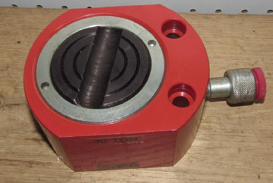 30 Ton Pneumatic Jack - 2